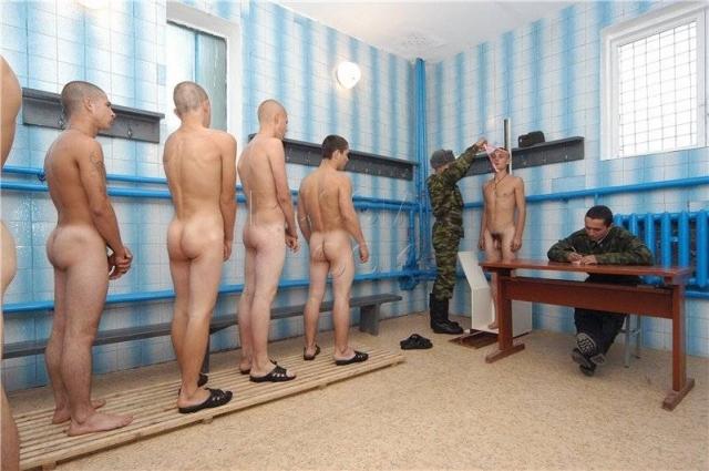 фото голых мужчин при прохождении медкомиссии